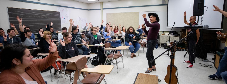 Las Cafeteras in class
